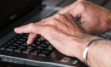 4 Smart Home Tech Tips for Seniors Aging in Place