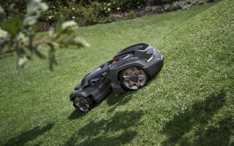 Smart Lawn Mowers: Everything You Need to Know