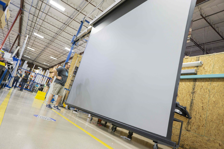 SI Expands Motorized Screen Line with New Low-Voltage, Zigbee 3.0, and Extra-Large Sizes