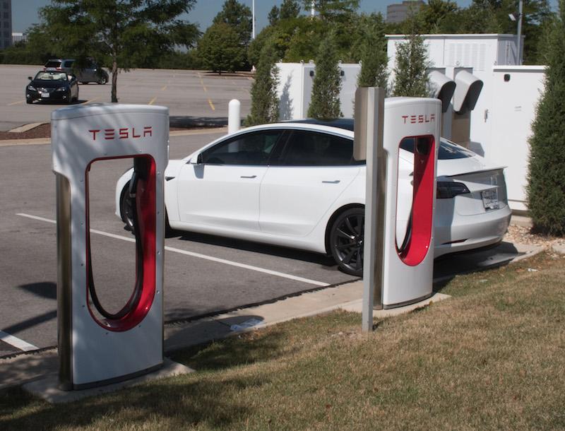 Tesla-Supercharger_Kreski