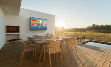Séura Adds 2000-Nit Full Sun Televisions for Outdoor Home Theaters